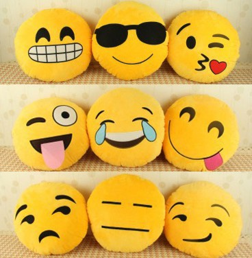 diy emoji pillows trusper. Black Bedroom Furniture Sets. Home Design Ideas