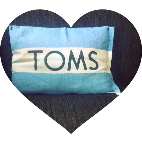 Turn Your Unused TOMS Shoe Bag Into A Pillow!♡