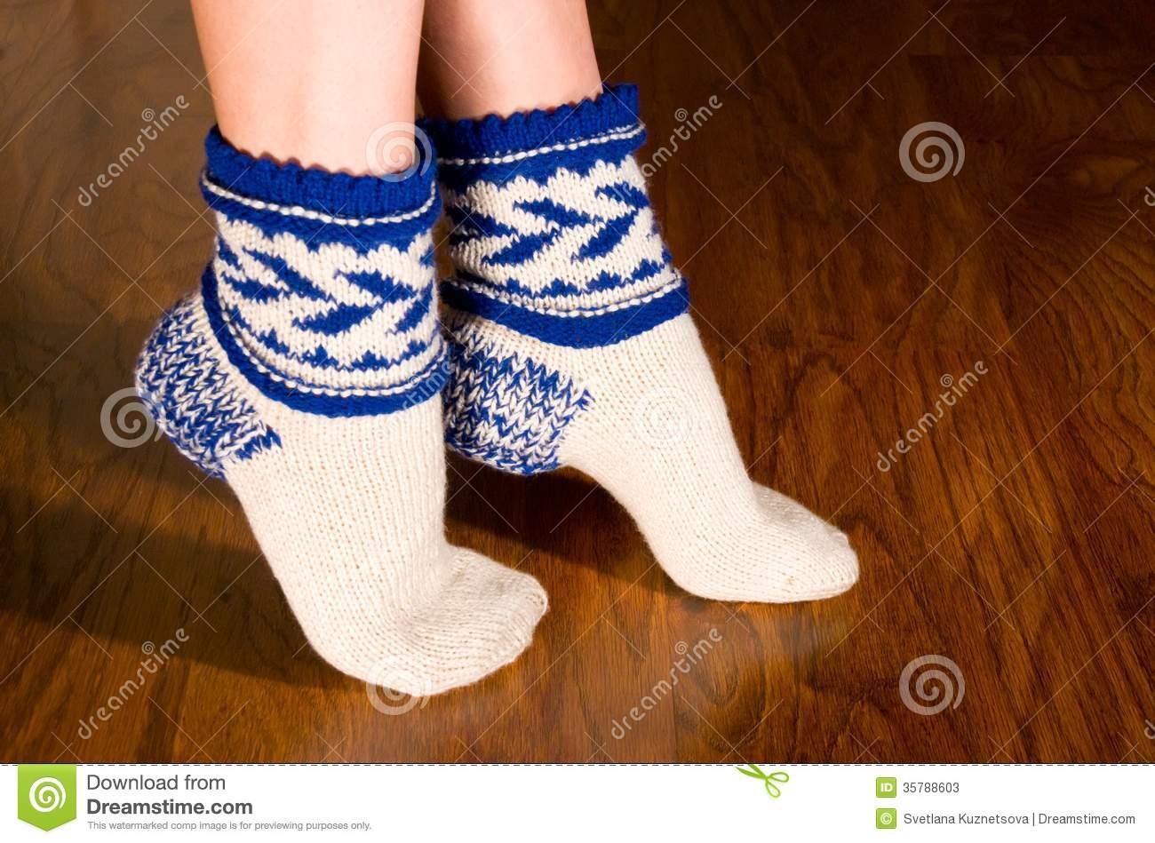 Фото женских ног носки 10 фотография