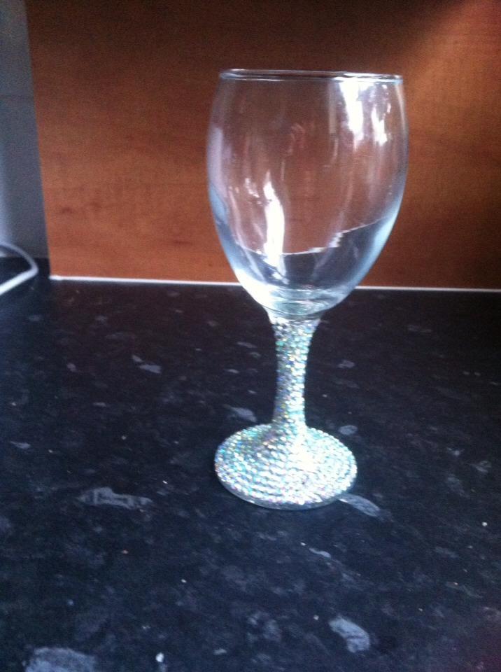 Sparkly wine glasses trusper for Super u champagne