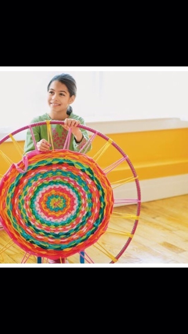 How To Make A Rug Out Of T Shirts And A Hoola Hoop!