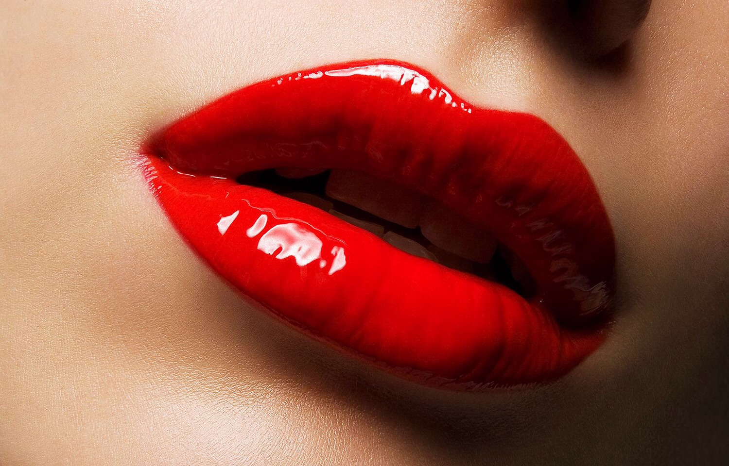 how to make lips look fuller naturally