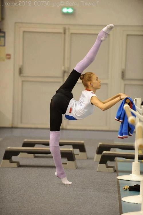 What is the best way to learn how to do the splits? - Quora