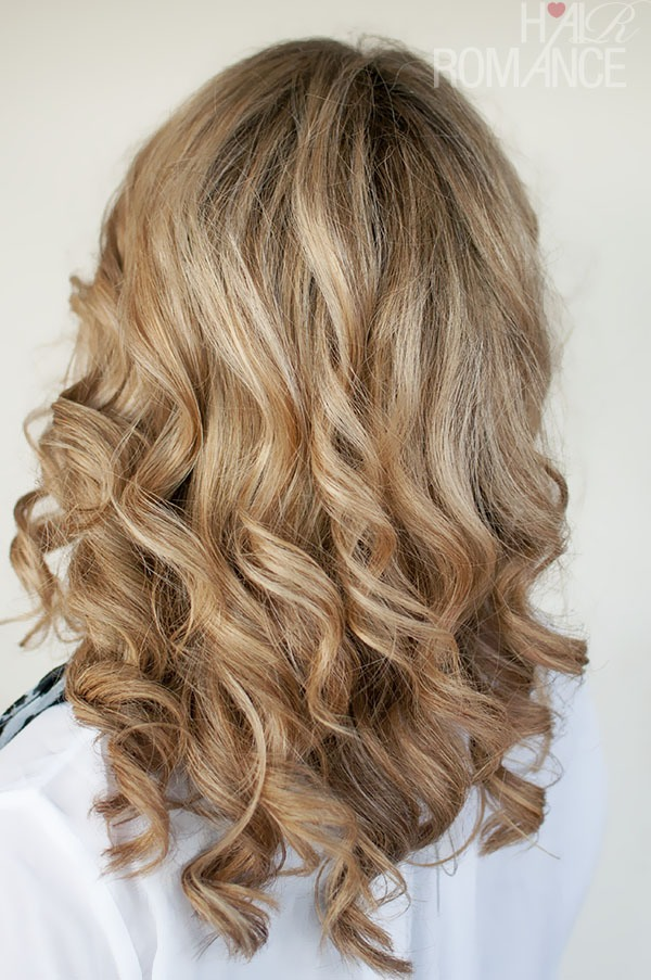 How To : Curl Hair With Straightener