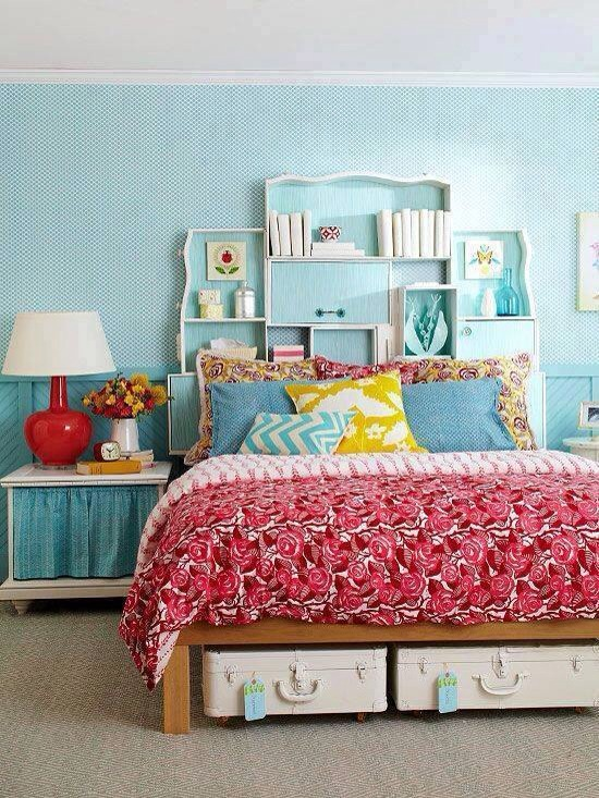 Awesome minimalist bed storage ideas trusper for Tips for going minimalist