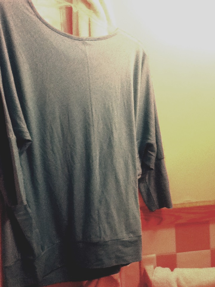 How to un wrinkle clothes without an iron trusper - How to unwrinkle your clothes with no iron ...