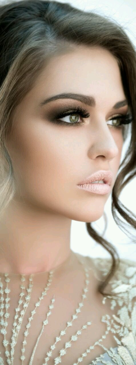 Wedding Makeup Looks To Save For Your Day